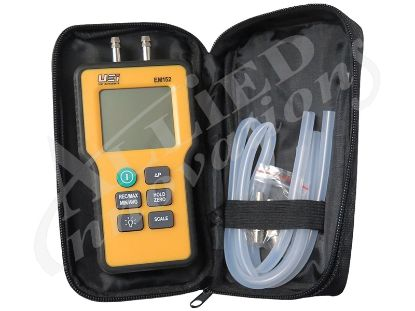 MANOMETER: EM152 DUAL INPUT ELECTRONIC WITH CARRYING CASE EM152