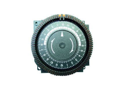 TIME CLOCK: 110V, SPDT, 24 HOUR, 5 LUG TA4079