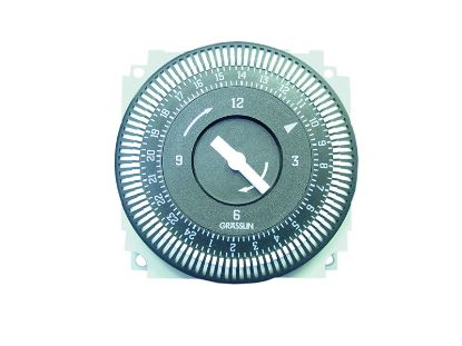 TIME CLOCK: 220V, 15A, 50HZ, 24 HOUR, 5 LUG FM/1 STUZ-240V/50HZ